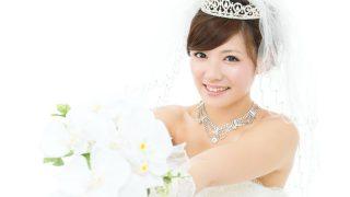 清らかな花嫁の象徴:胡蝶蘭のクラッチブーケには魅力がいっぱい
